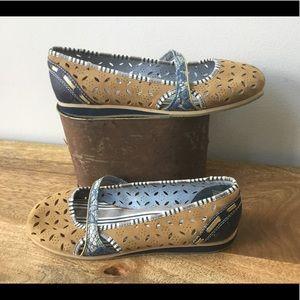 Bobbi Blu Leather Mary Jane Flats tan and blue